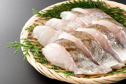 寒いから鍋を食べたい!肉もいいけど魚が美味しい年頃に。